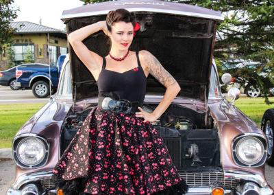 vintage-car-girl